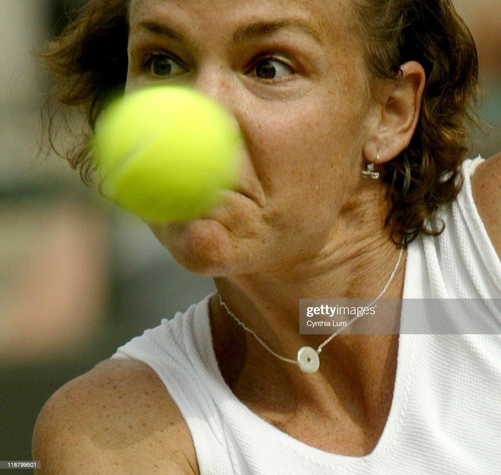 2005 Wimbledon Champinships - Ladies' Singles - Quarter Finals - Lindsay