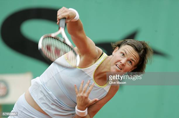 Lindsay Davenport of USA in action during her fourth round match against Kim Clijsters of Belgium during the seventh day of the French Open at Roland...