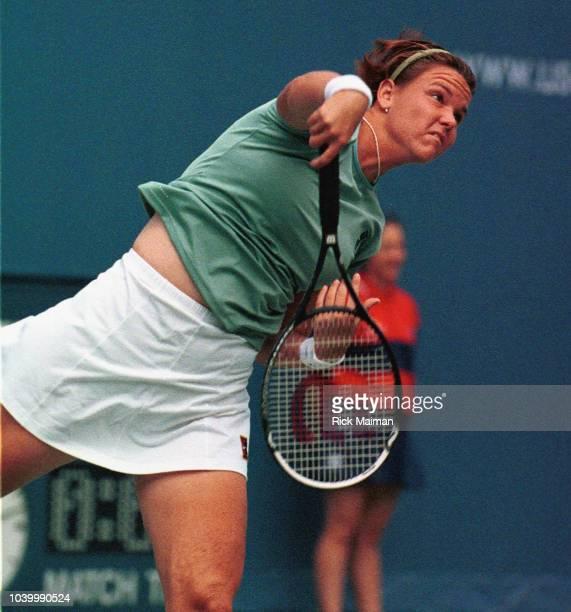 Lindsay Davenport won the match against Amy Frazier