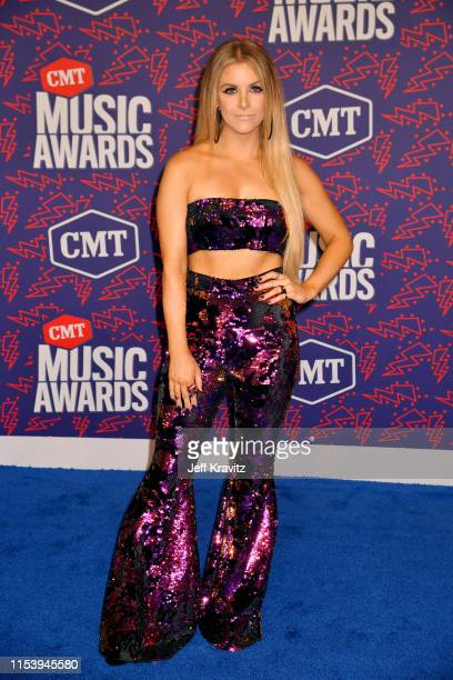 Lindsay Ell attends the 2019 CMT Music Awards at Bridgestone Arena on June 05 2019 in Nashville Tennessee
