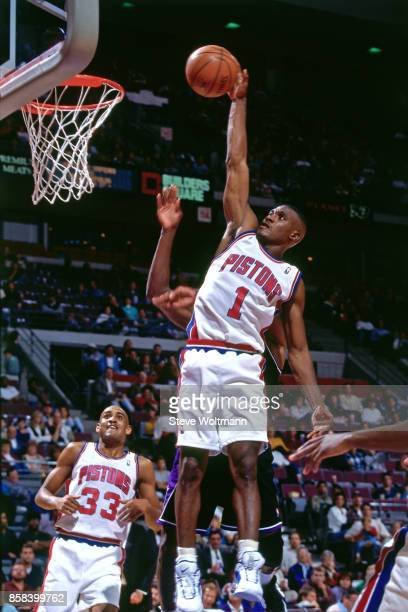 Lindsay Hunter of the Detroit Pistons dunks circa 1996 at the Palace of Auburn Hills in Auburn Hills Michigan NOTE TO USER User expressly...