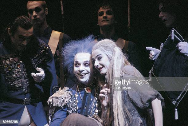 Lindsay Kemp and Nuria Moreno in ´The Cinderella´ Lindsay Kemp and Nuria Moreno in a moment of the performance