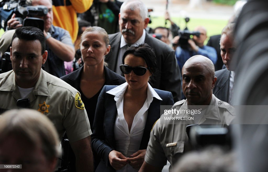 Lindsay Lohan arrives for a hearing to respond to allegations she has not completed a set number of alcohol education classes, at the Beverly Hills Courthouse on May 24, 2010. Lindsay Lohan who failed to appear for a court hearing in Los Angeles last week, prompted a judge to issue an arrest warrant that was later withdrawn when lawyers for the troubled actress posted bail. Lohan, 23, had been ordered to appear before Judge Marsha Revel to respond to allegations she has not completed a set number of alcohol education classes required under the terms of her probation. AFP PHOTO/Mark RALSTON