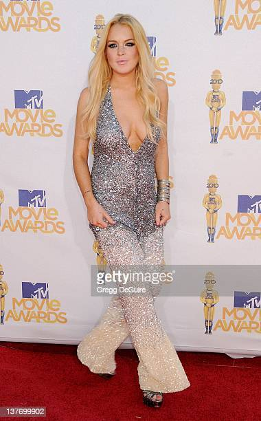 Lindsay Lohan attends the 2010 MTV Movie Awards at the Gibson Amphitheatre on June 6, 2010 in Universal City, California.