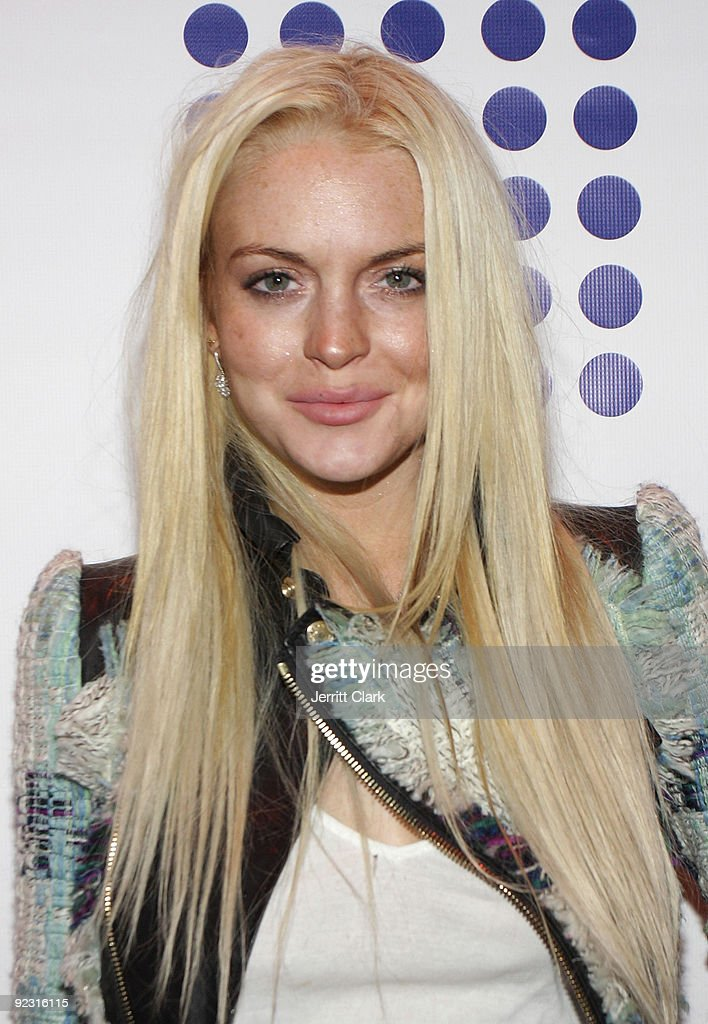 Lindsay Lohan attends the opening of Quo Nightclub on October 23, 2009 in New York City.