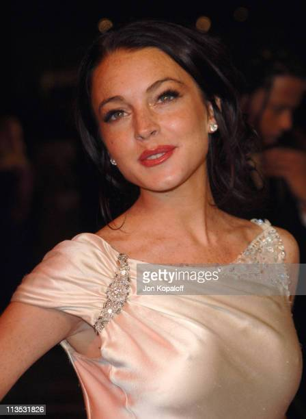 Lindsay Lohan during 2006 Vanity Fair Oscar Party at Morton's in West Hollywood California United States