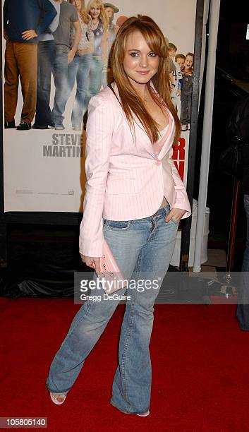 Lindsay Lohan during 'Cheaper By The Dozen' Los Angeles Premiere at Grauman's Chinese Theatre in Hollywood California United States