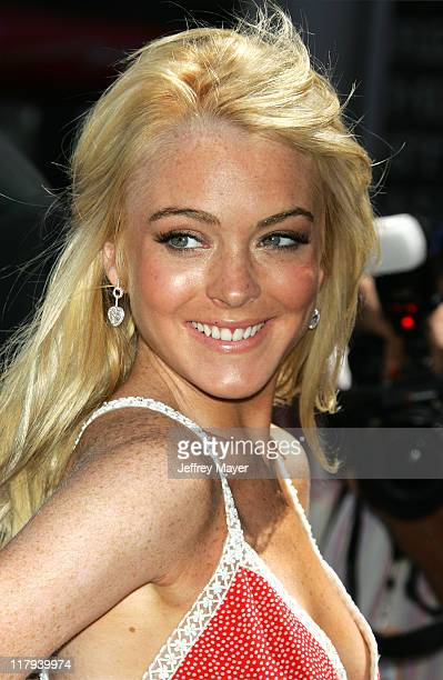 Lindsay Lohan during Herbie Fully Loaded Los Angeles Premiere Arrivals at El Capitan Theater in Hollywood California United States