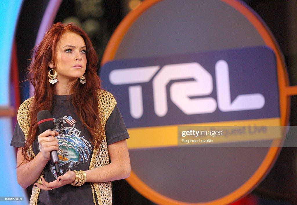 "Lindsay Lohan, Xzibit, and Jeremy Shockey Visit MTV's ""TRL"" - December 7, 2004 : News Photo"