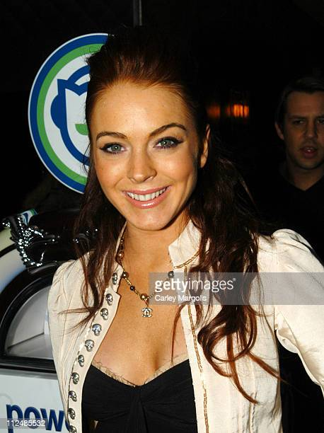 Lindsay Lohan during Napster Launches 'Napster To Go' Cafe Tour with Free Music and MP3 Players at The Coffee Shop in New York City New York United...