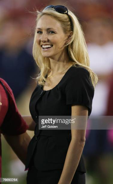 Lindsay Soto of FOX Sports smiles before the game between the University of Idaho Vandals and the USC Trojans on September 1 2007 at the Los Angeles...