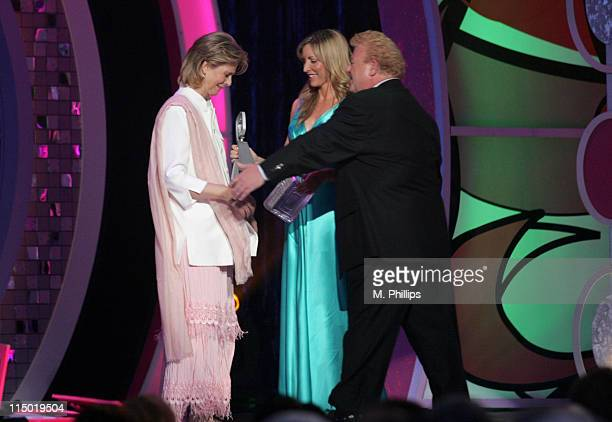 Lindsay Wagner winner Greatest Gear or Admirable Apparatus with presenter Heather Mills and Johnny Whitaker
