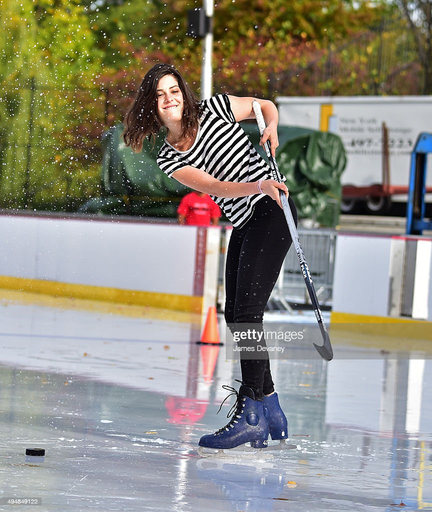 Lindsey Broad attends the New York Rangers and the Cast of IFCÕs Hockey Comedy Benders Face Off event at Lasker Rink on October 29, 2015 in New York City.