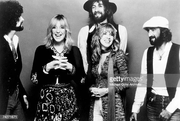 Lindsey Buckingham Christine McVie Mick Fleetwood Stevie Nicks and John McVie of the rock group 'Fleetwood Mac' pose for a portrait in circa 1977