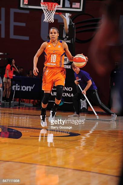 Lindsey Harding of the Phoenix Mercury brings the ball up court against the Washington Mystics on July 13 2016 at Talking Stick Resort Arena in...