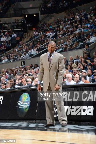 Lindsey Hunter Head Coach of the Phoenix Suns looks on from the sidelines during the game against the San Antonio Spurs on January 26 2013 at the ATT...