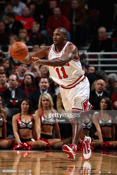 Lindsey Hunter of the Chicago Bulls passes the ball during the game against the Detroit Pistons at the United Center on December 2 2009 in Chicago...