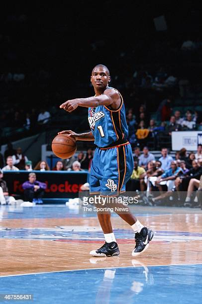 Lindsey Hunter of the Detroit Pistons during the game against the Charlotte Hornets on January 27 2000 at Charlotte Coliseum in Charlotte North...