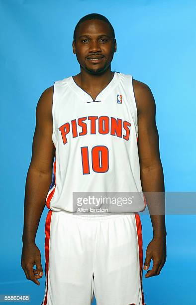 Lindsey Hunter of the Detroit Pistons poses for a portrait during the Pistons Media Day on October 3 2005 in Auburn Hills Michigan NOTE TO USER User...