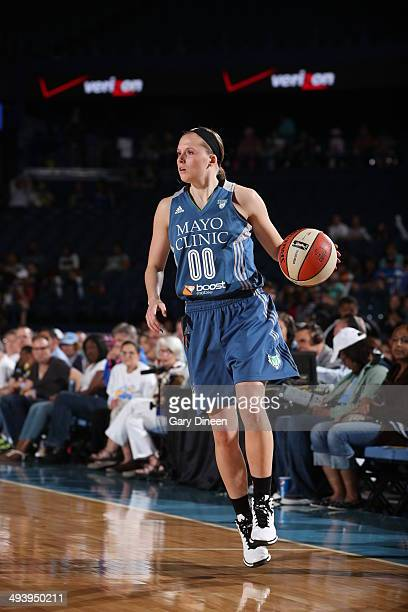 Lindsey Moore of the Minnesota Lyxn dribbles against the Chicago Sky in the WNBA game between the Minnesota Lynx and Chicago Sky on May 26 2014 at...