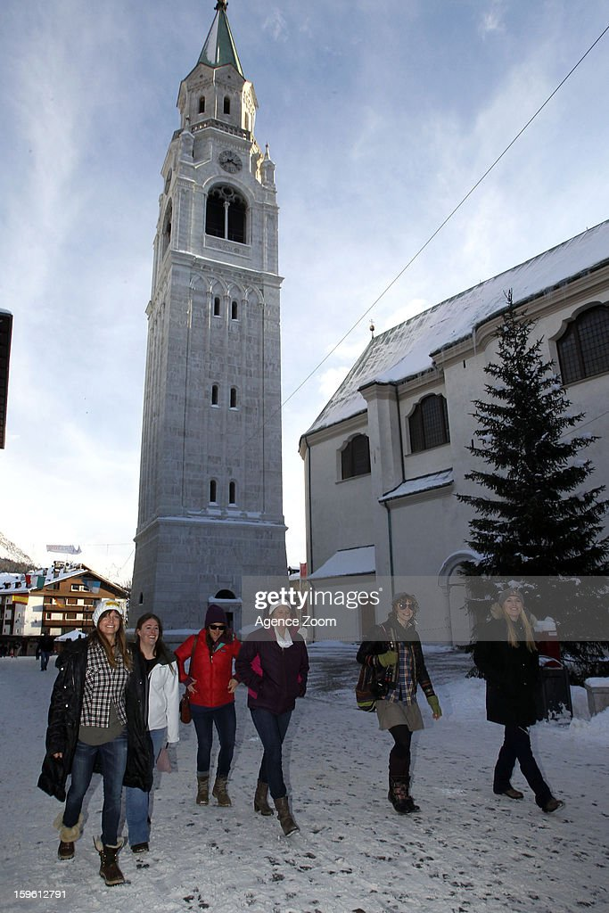 Lindsey Vonn, Julia Mancuso, Stacey Cook, Alice McKennis, Leanne Smith and Laurenne Ross of the Womens U.S. Ski Team enjoying an relaxing afternoon in Cortina d'Ampezzo on January 17.