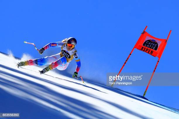 Lindsey Vonn of the United States competes in the Ladies' Downhill for the 2017 Audi FIS Ski World Cup Final at Aspen Mountain on March 15 2017 in...