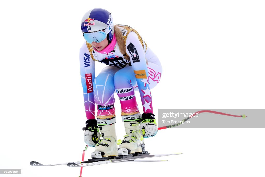 Lindsey Vonn of the United States skis during a training run for the ladies' downhill at the Audi FIS Ski World Cup Finals at Aspen Mountain on March 13, 2017 in Aspen, Colorado.