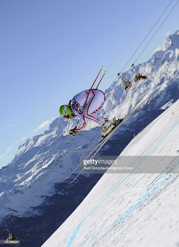 Lindsey Vonn of the USA skis during the Audi FIS Alpine Ski World Cup Women's Downhill Training on January 26, 2012 in St.Moritz, Switzerland.