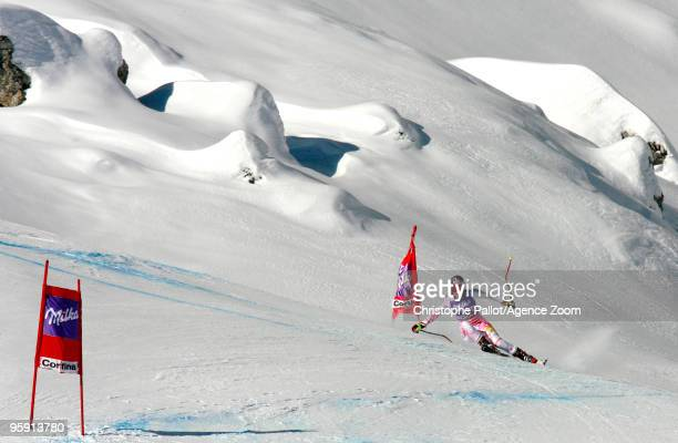 Lindsey Vonn of the USA takes 1st place during the Audi FIS Alpine Ski World Cup Women's Downhill Training on January 21 2010 in Cortina d'Ampezzo...