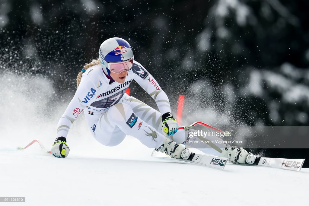 Lindsey Vonn of USA competes during the Audi FIS Alpine Ski World Cup Women's Downhill on February 4, 2018 in Garmisch-Partenkirchen, Germany.