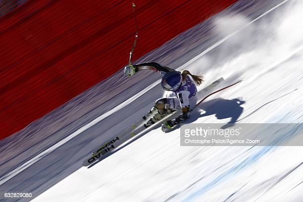 Lindsey Vonn of USA crashes out during the Audi FIS Alpine Ski World Cup Women's Downhill Training on January 27 2017 in Cortina d'Ampezzo Italy