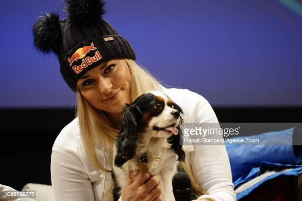 Lindsey Vonn of USAand her dog Lucy at a press conference during the Audi FIS Alpine Ski World Cup Women's Downhill on January 16 2019 in Cortina...