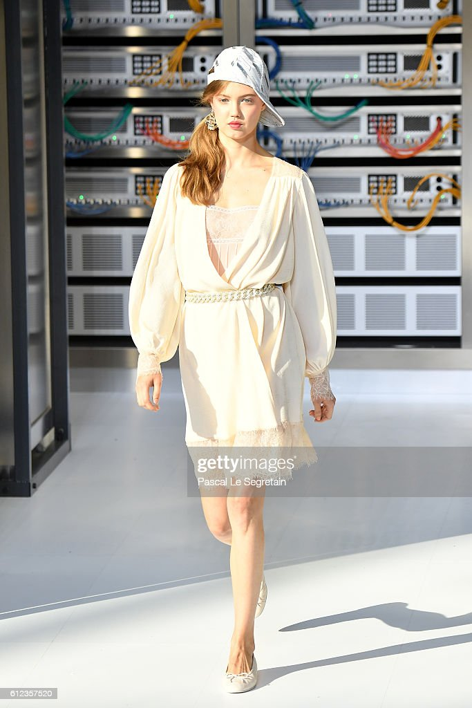 Lindsey Wixson walks the runway during the Chanel show as part of the Paris Fashion Week Womenswear Spring/Summer 2017 on October 4, 2016 in Paris, France.