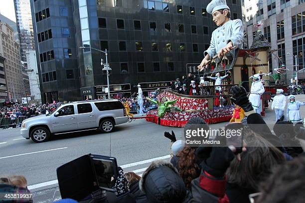 CONTENT] Lindt Chocolate Float in the 2013 Macy's Thanksgiving Day Parade