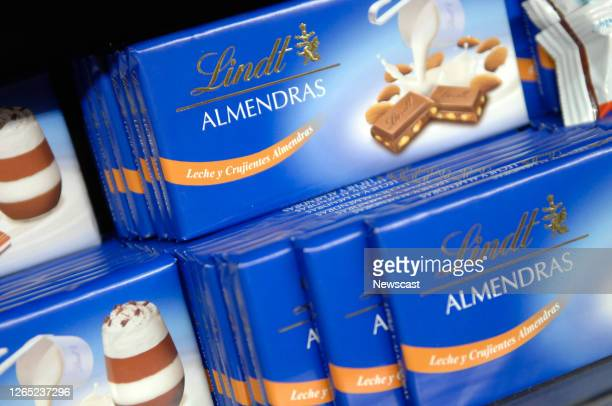 Lindt,chocolate,almond.
