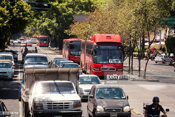 ライン 1 バスにメキシコシティー