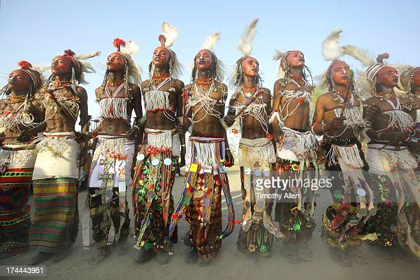 Line of Wodaabe men dancing the Yaake dance