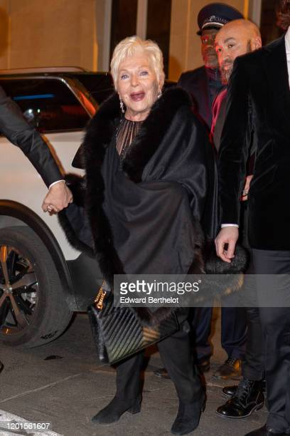 Line Renaud arrives at Sidaction Gala Dinner 2020 At Pavillon Cambon on January 23 2020 in Paris France