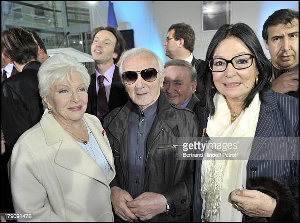 Line Renaud Charles Aznavour and Nana Mouskouri at Pompidou Foundation Award Ceremony For The Chevalier de la Legion d'Honneur To Bernadette Chirac