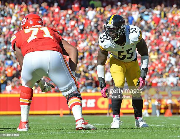 Linebacker Arthur Moats of the Pittsburgh Steelers gets set on defense against the Kansas City Chiefs during the first half on October 25 2015 at...