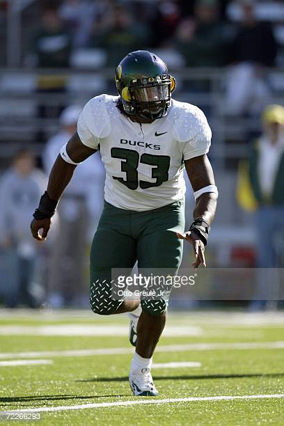 Linebacker Blair Phillips of the Oregon Ducks runs downfield against the Washington State Cougars on October 21 2006 at Martin Stadium in Pullman...