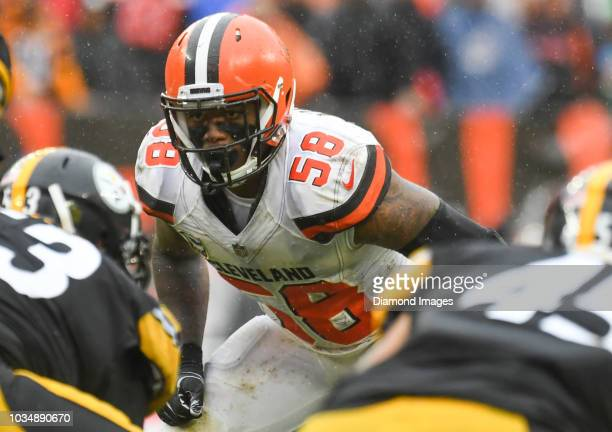 Linebacker Christian Kirksey of the Cleveland Browns awaits the snap in the fourth quarter of a game against the Pittsburgh Steelers on September 9...