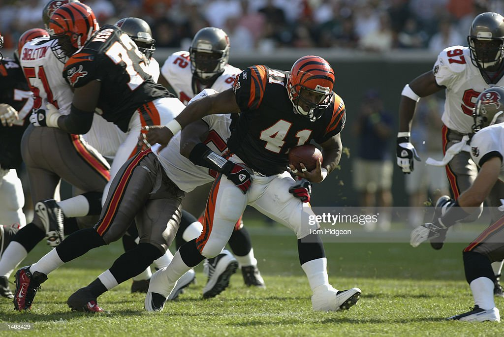 [Image: linebacker-derrick-brooks-of-the-tampa-b...id1463429?]