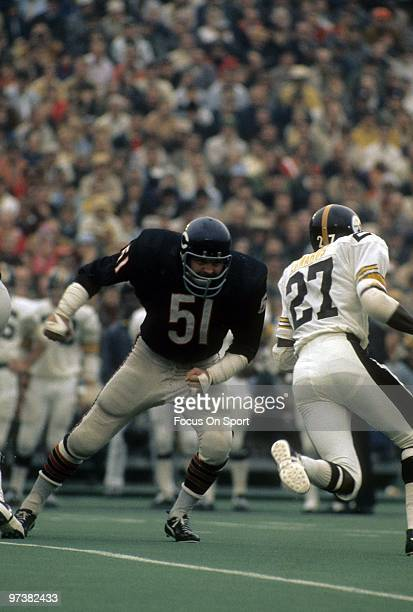 Linebacker Dick Butkus of the Chicago Bears in action against the Pittsburgh Steelers during an NFL football game Septermber 19, 1971 at Soldier...