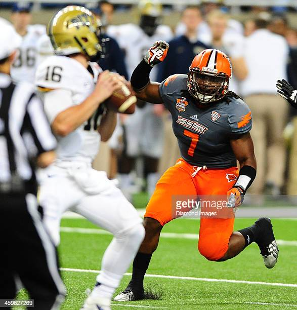 Linebacker DJ Lynch of the Bowling Green Falcons rushes the quarterback during a game against the Pittsburgh Panthers during the Little Caesars Pizza...