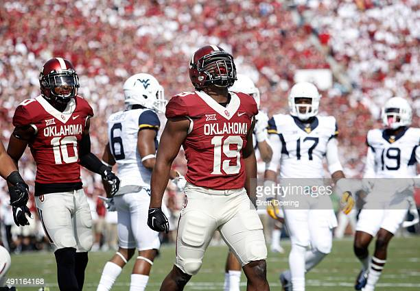 Linebacker Eric Striker of the Oklahoma Sooners celebrates a quarterback sack against the West Virginia Mountaineers October 3 2015 at Gaylord...