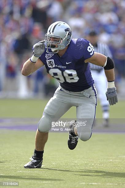 Linebacker Ian Campbell of the Kansas State Wildcats rushes up field against the Kansas Jayhawks, during a NCAA football game on October 06, 2007 at...