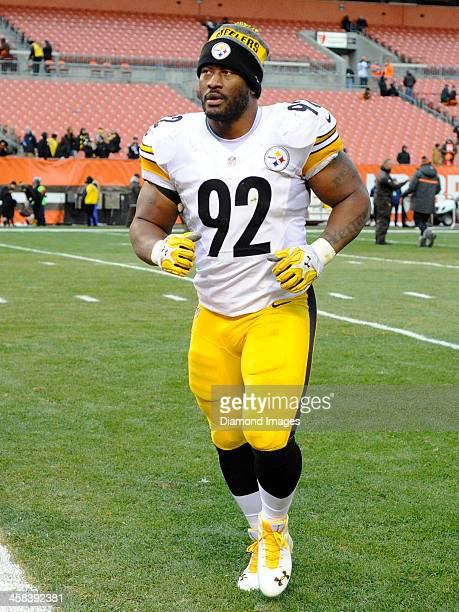 Linebacker James Harrison of the Pittsburgh Steelers runs off the field after a game against the Cleveland Browns on November 20 2016 at FirstEnergy...