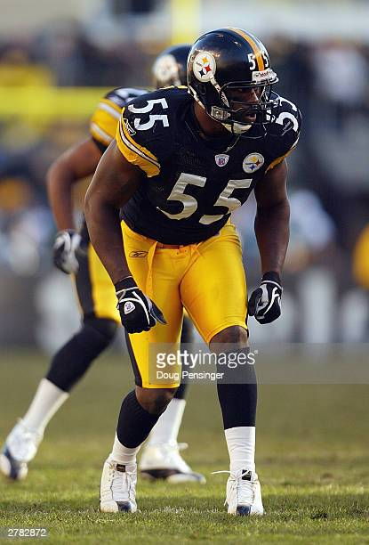 Linebacker Joey Porter of the Pittsburgh Steelers gets ready to make a play during the game against the Arizona Cardinals on November 9, 2003 at...