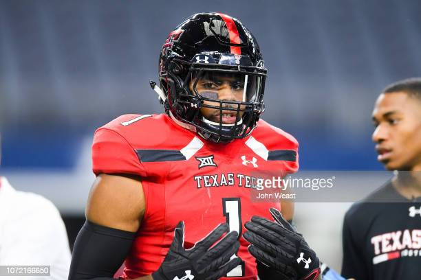 Linebacker Jordyn Brooks of the Texas Tech Red Raiders on the field before the game against the Baylor Bears on November 24 2018 at ATT Stadium in...